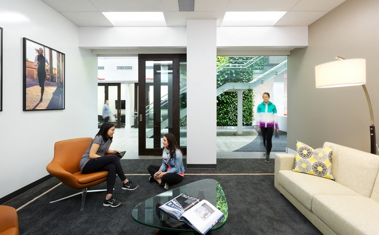 lululemon-vancouver-headquarters-private-meeting-room